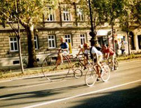Biciklis futár - Dali